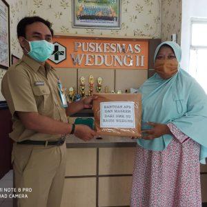 Pendistribusian Bantuan Hazmat dan Masker di Puskesmas Wedung II